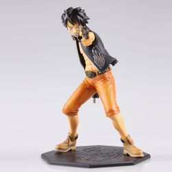 One Piece Luffy With Gun Figur...
