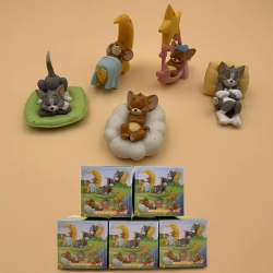 Tom and Jerry a set of five Bo...